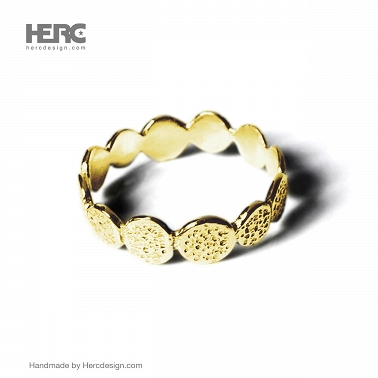 14k gold ring with texture (585 gold)