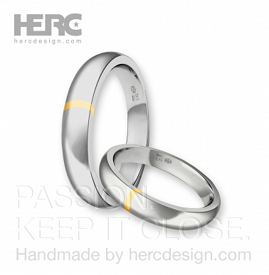 Half-round rings with white gold insert